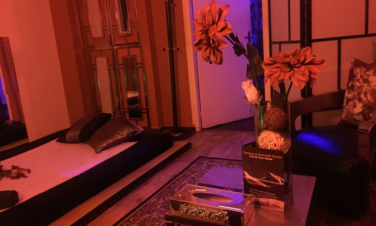 Suite room spa salon de massage naturiste 75011 paris paris sensuel - Salon massage naturiste paris 8 ...